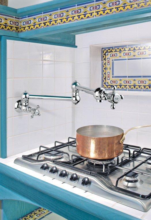 Retro wall-mounted folding kitchen tap