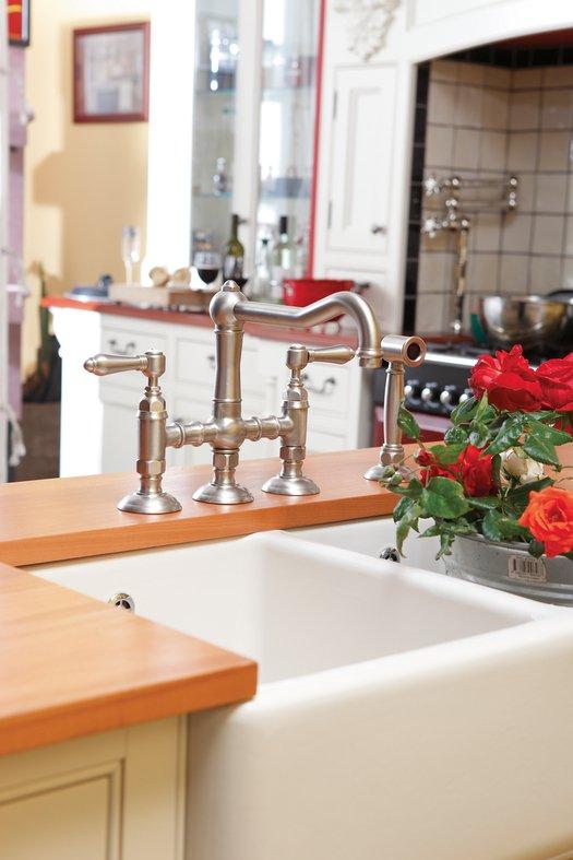 Kitchen bridge mixer with hand shower decor