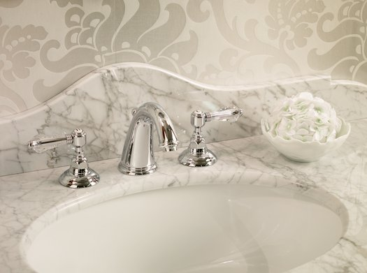 Nice retro faucet for the classy bathroom