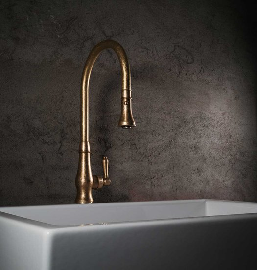 Rural kitchen tap with pull-out hand shower in old brass