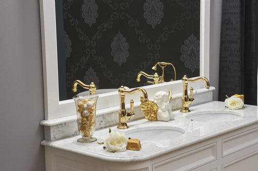 Antique style basin faucets