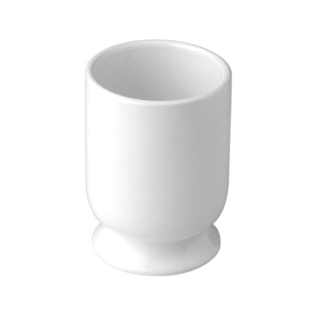 Free-standing porcelain cup for the cottage bathroom