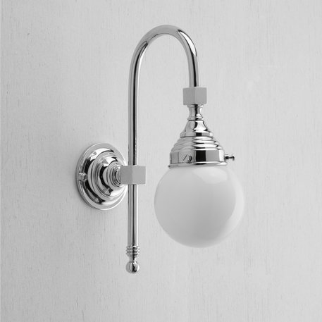 Wall lamp with spherical glass for the retro bathroom