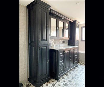 Voorbeeld van een klassieke badkamer