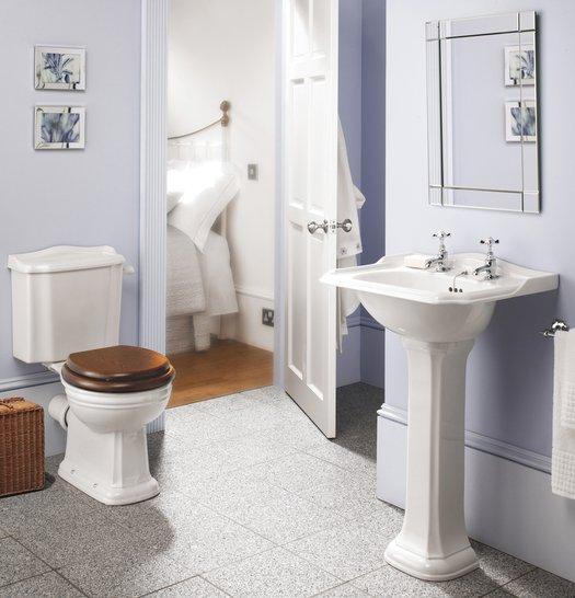 Balasani lavabo en toilet in klassieke stijl