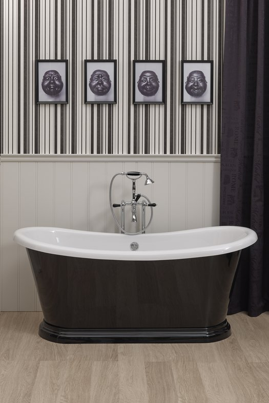 Freestanding bathtub Bateau with outside in black for the cottage bathroom