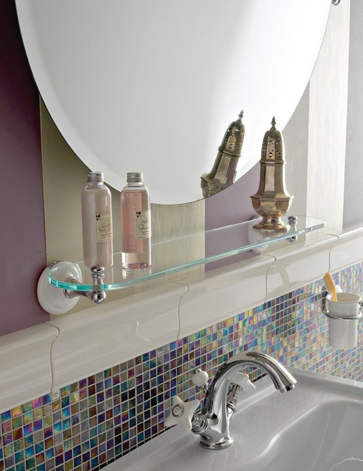 Retro wall shelf and mirror for the bathroom