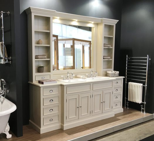 Cambridge bathroom furniture in country style