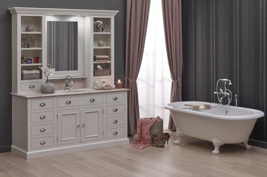 Handy Cottage bathroom furniture