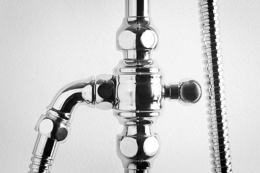 Detail vintage shower column 02