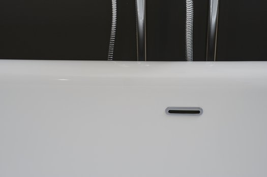 Detail of the Kingston bathtub 01