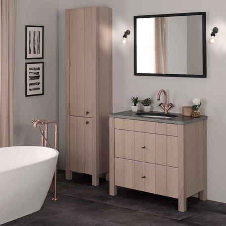 Mix between country style and industrial style for the bathroom
