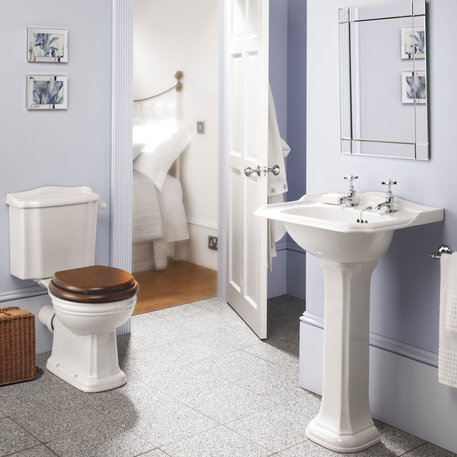 Cottage porcelain products for the bathroom