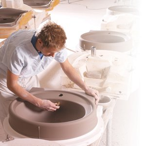 Modeling ceramic washbasin