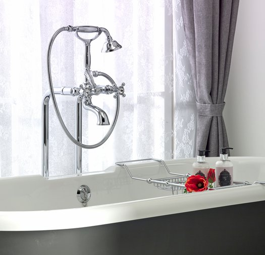 Detail of the cottage Romance bathtub