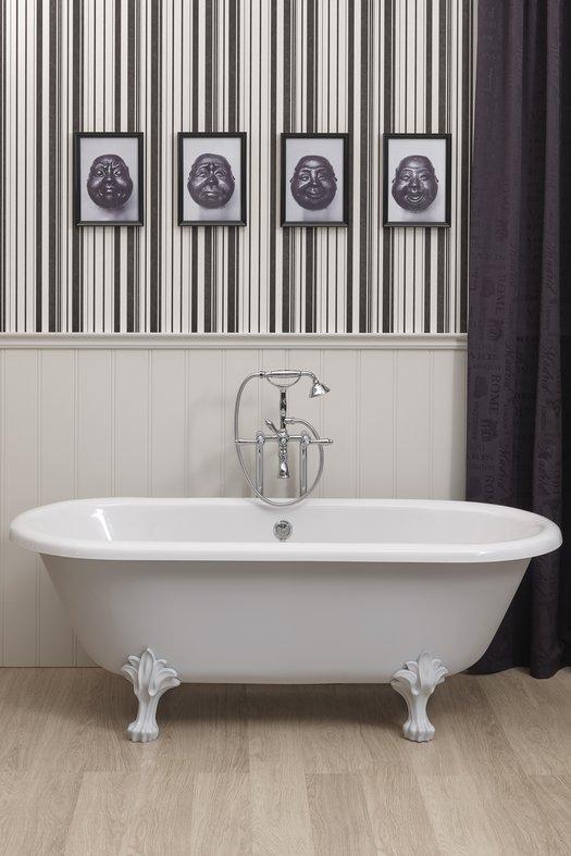Freestanding vintage bathtub Winston with feet
