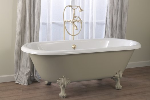 Freestanding Winston bathtub with feet for the cottage bathroom