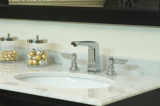 Liberty 3-hole mixer tap for the stylish bathroom