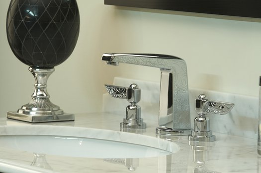 Exclusive 3-hole basin faucet for the bathroom with style