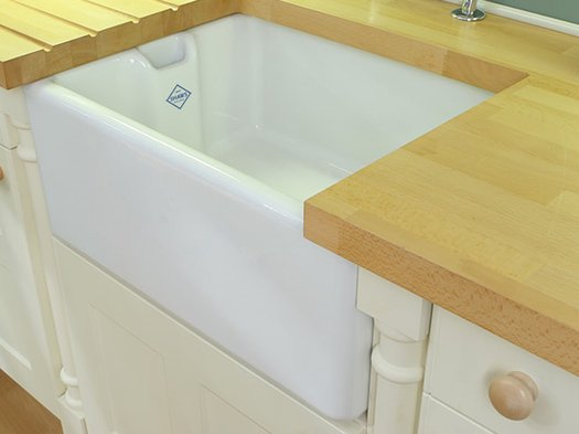 Handy and high-quality kitchen sink of small size