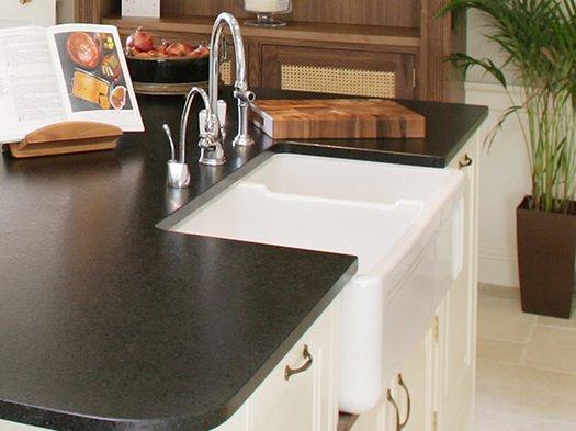 Retro kitchen sink for the vintage kitchen