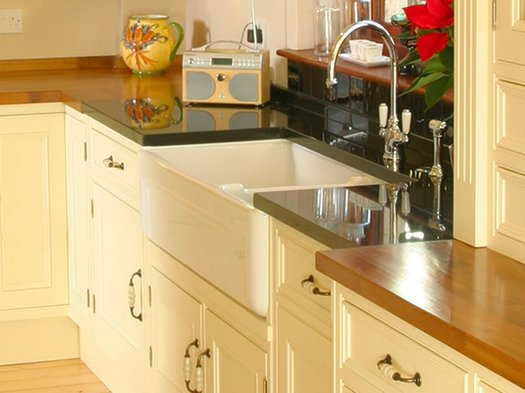 Beautiful kitchen sink in cottage style