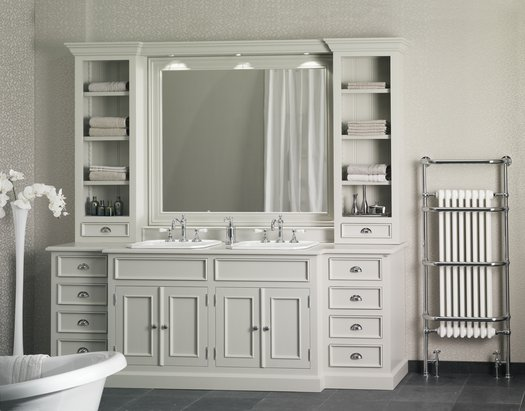 Very large cottage furniture for the cottage bathroom