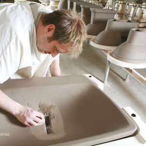 Modeling ceramic washbasin 02