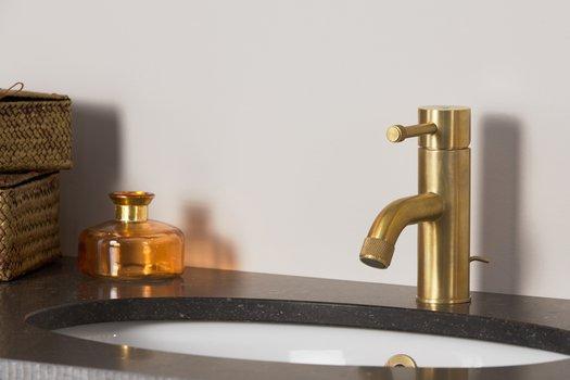 Robinet lavabo moderne pour la salle de bain contemporaine