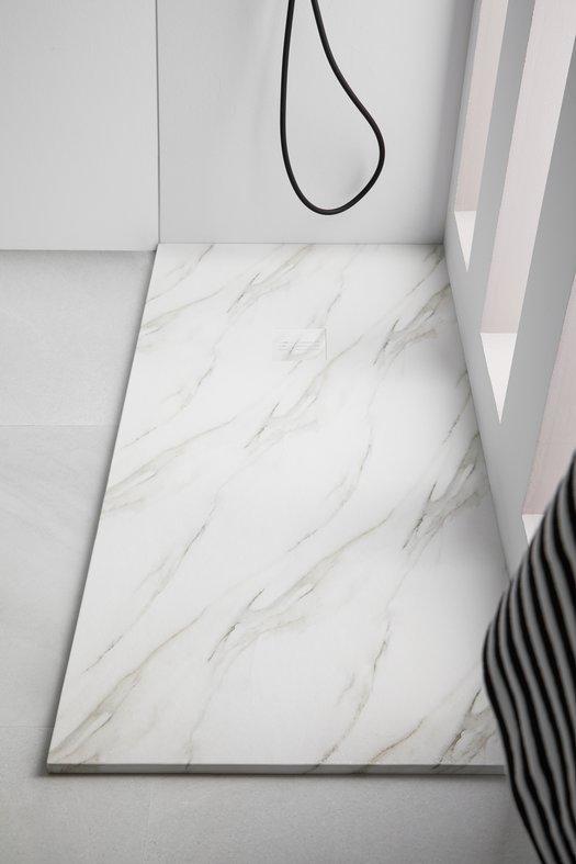 Tub de douche MIRAGE dans une salle de bains design