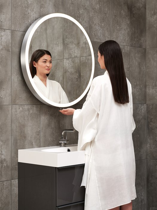 Meilleur position pour regarder dans un miroir, épargne votre dos