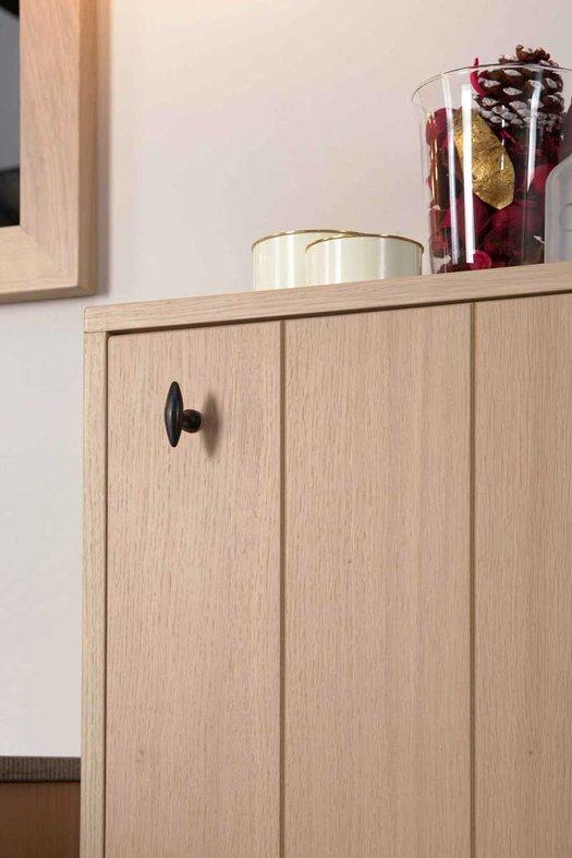 Detail Lodge badkamer kast met standaard greep