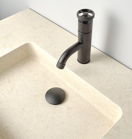 Ensemble de salle de bains Cube avec robinet contemporain