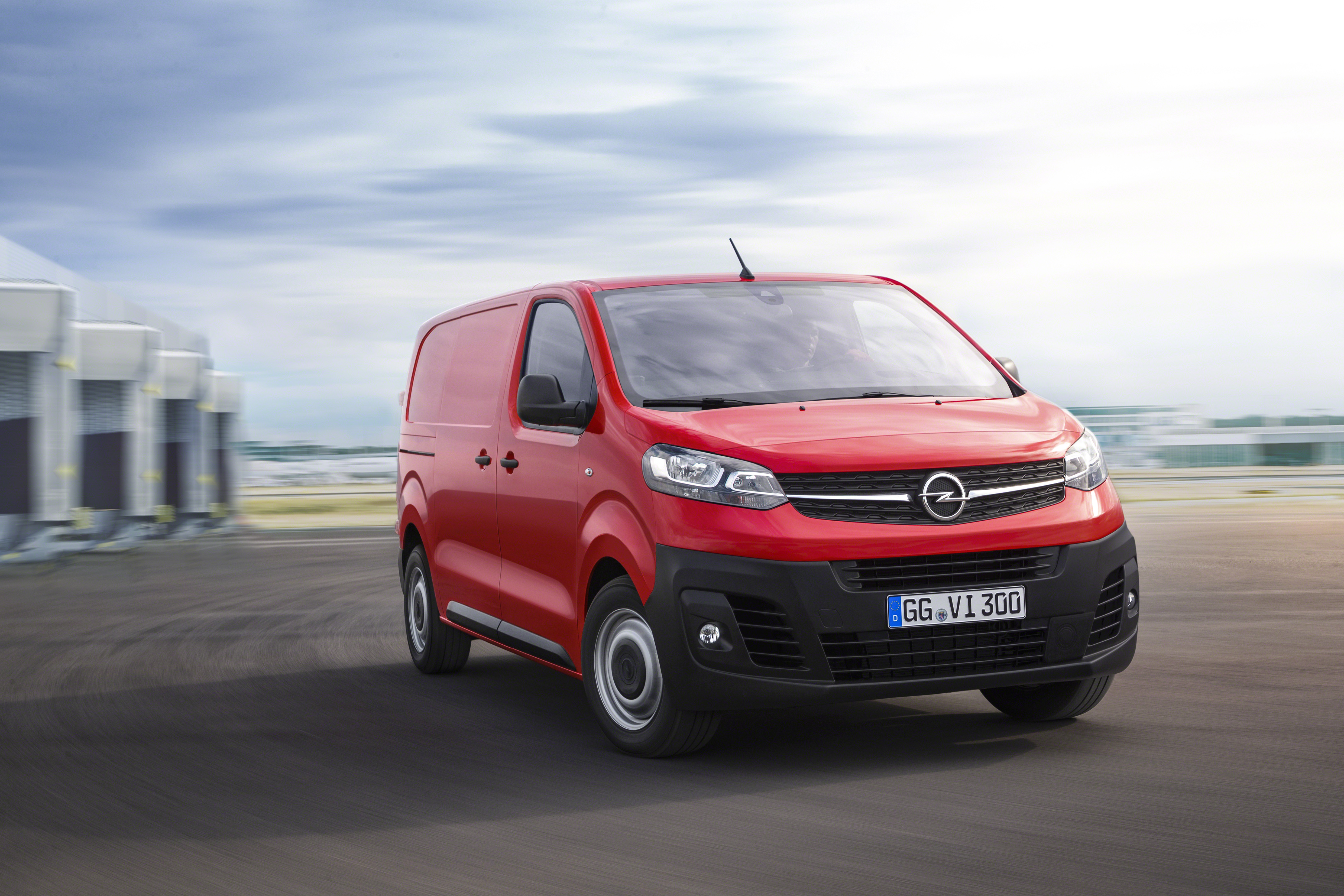 Die-dritte-Generation-des-Opel-Vivaro-ist-startklar