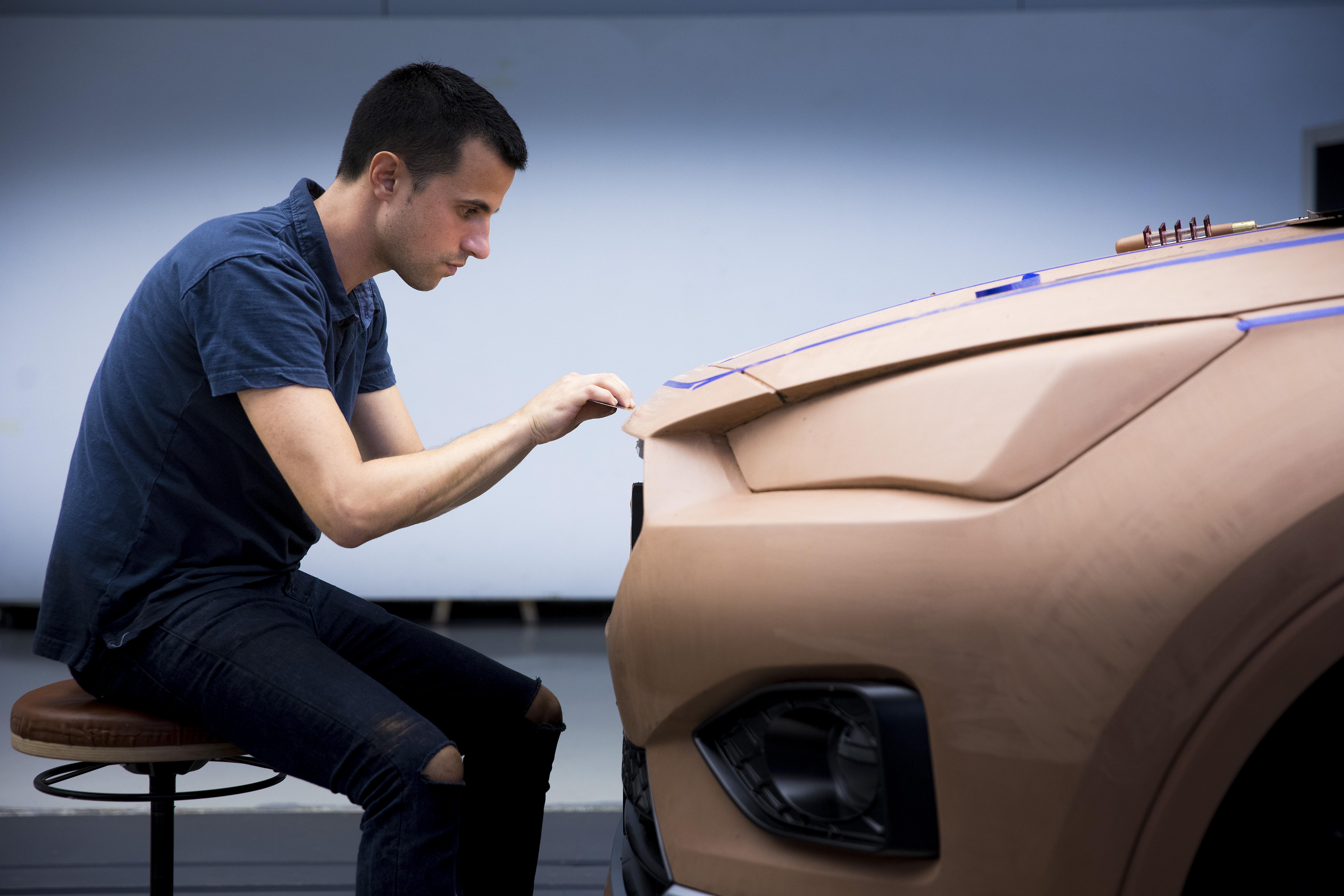 Der-Fahrzeug-Bildhauer