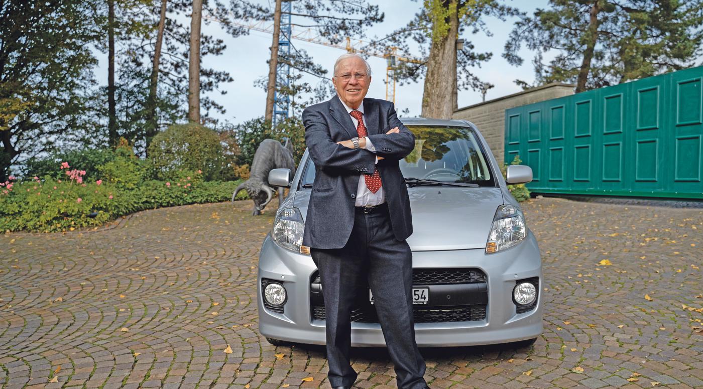 -Ich-habe-zwei-Autos-Das-kleine-fahre-ich-das-grosse-f-hrt-mein-Chauffeur-