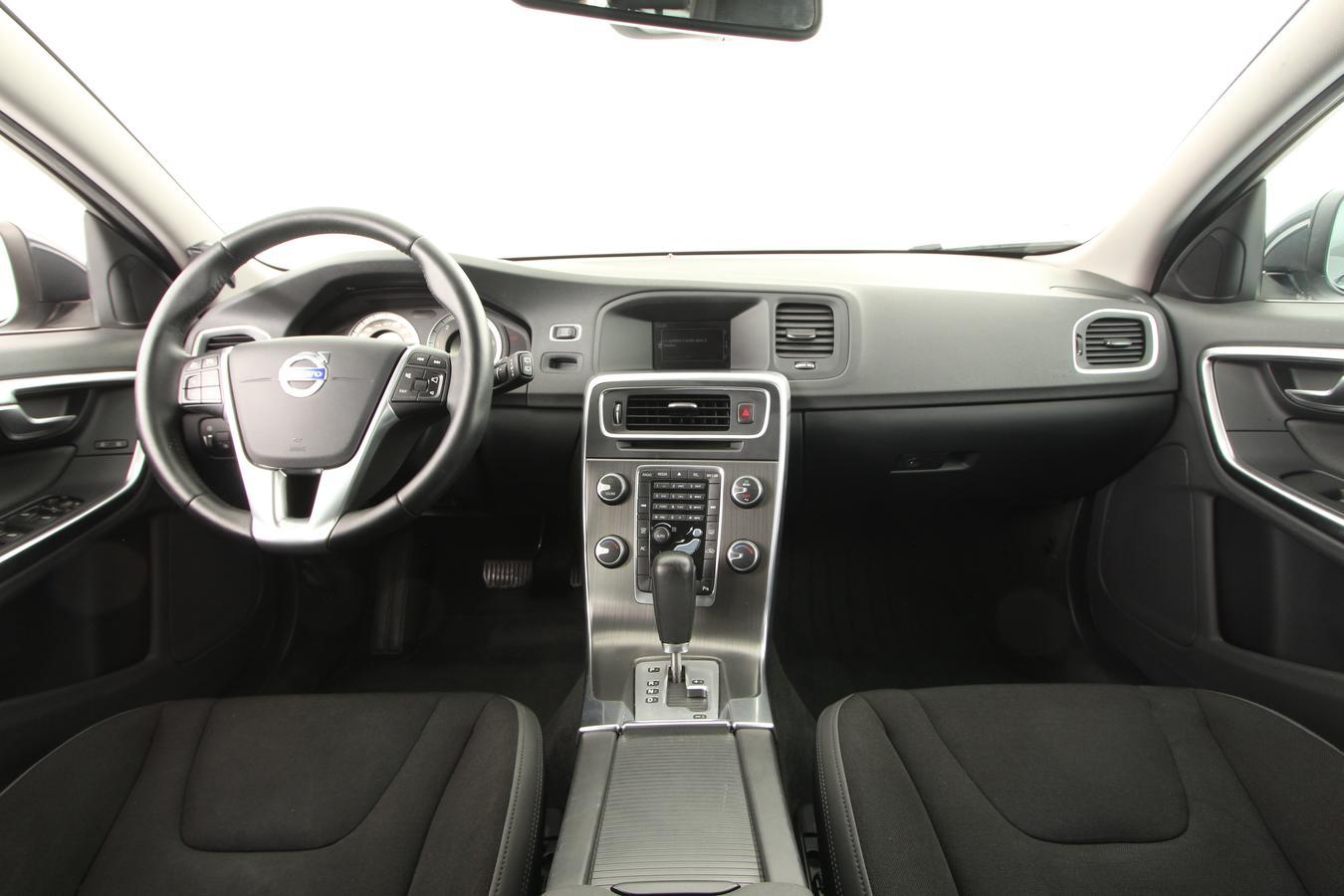 volvo v60 break 5 portes diesel d3 163 auto bo te automatique ou robotis e finition. Black Bedroom Furniture Sets. Home Design Ideas