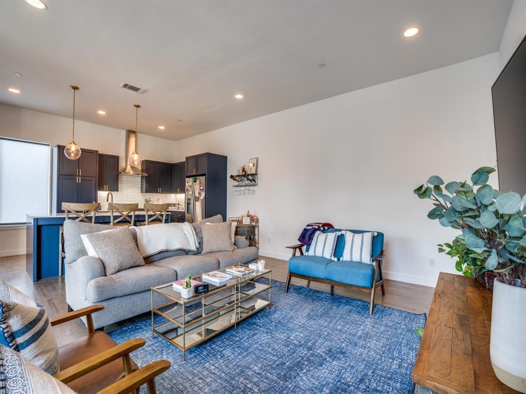 2115 Bennett Avenue, Dallas, Texas 75206 - acquisto real estate best listing agent in the nation shana acquisto estate realtor