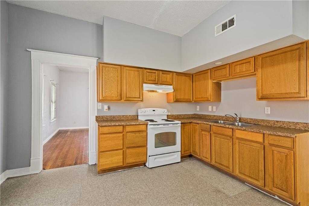 719 Elsbeth Street, Dallas, Texas 75208 - acquisto real estate best highland park realtor amy gasperini fast real estate service