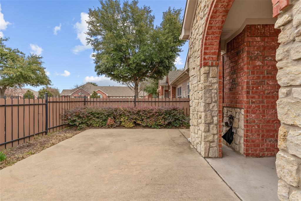 3225 Rosemeade Drive, Fort Worth, Texas 76116 - acquisto real estate best allen realtor kim miller hunters creek expert
