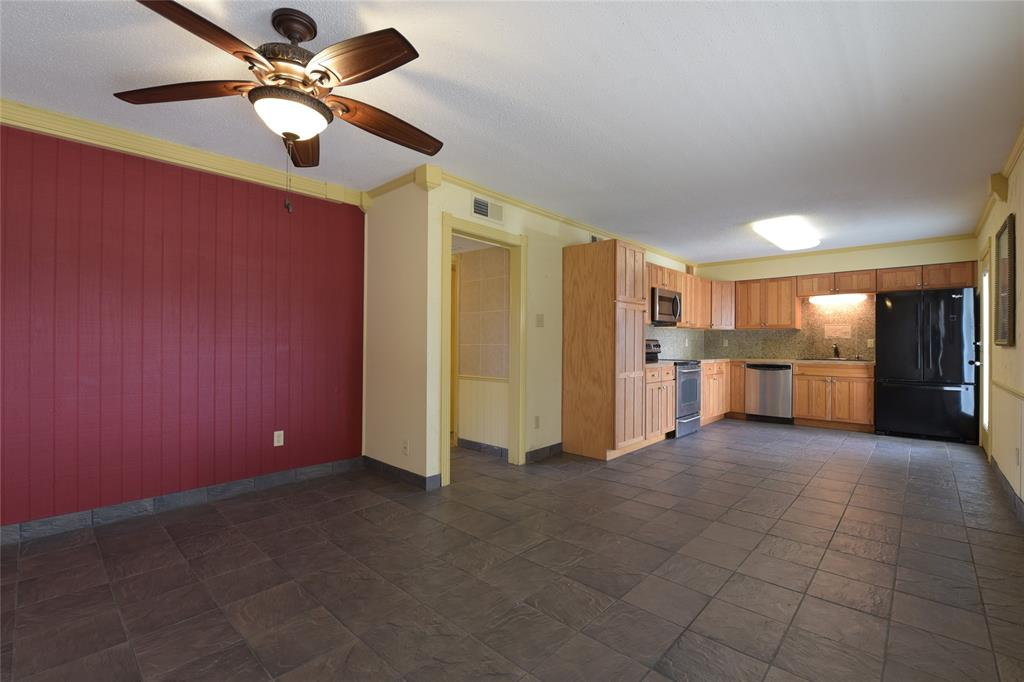 1207 Wall Street, Grapevine, Texas 76051 - acquisto real estate best real estate company to work for
