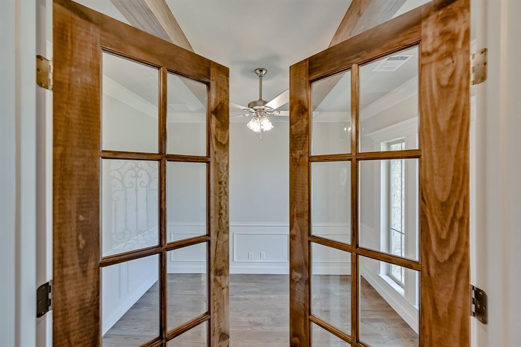 1708 Scarborough Drive, Arlington, Texas 76001 - acquisto real estate best allen realtor kim miller hunters creek expert