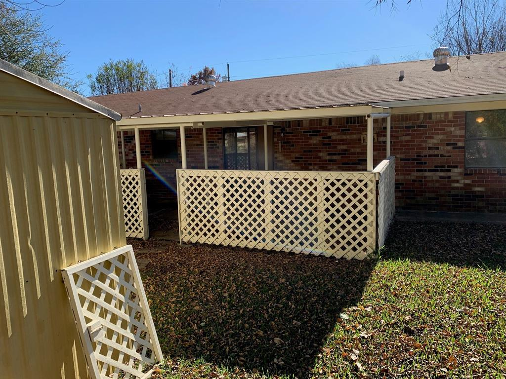 513 West 7th  Clarksville, Texas 75526 - acquisto real estate best realtor foreclosure real estate mike shepeherd walnut grove realtor