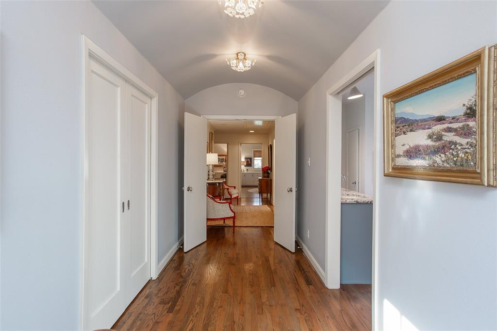 3813 Glenwood Drive, Fort Worth, Texas 76109 - acquisto real estate best photos for luxury listings amy gasperini quick sale real estate