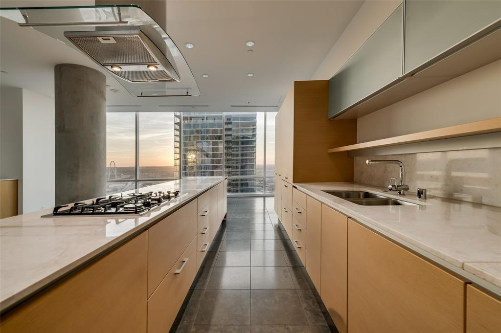 2430 Victory Park Lane, Dallas, Texas 75219 - acquisto real estate best designer and realtor hannah ewing kind realtor