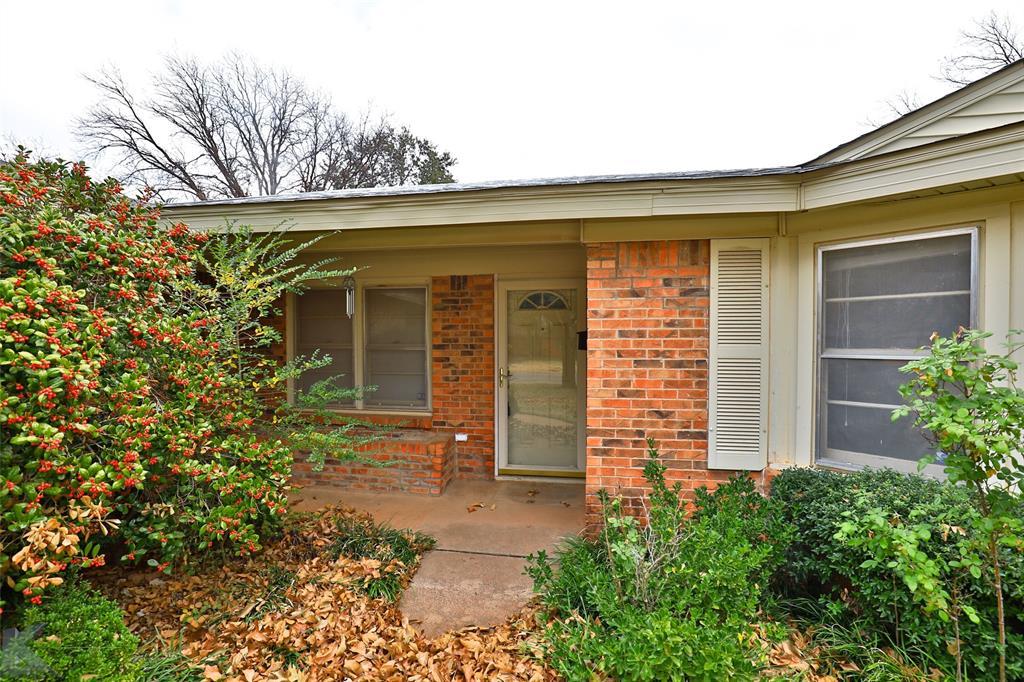 2033 Greenbriar Drive, Abilene, Texas 79605 - Acquisto Real Estate best plano realtor mike Shepherd home owners association expert