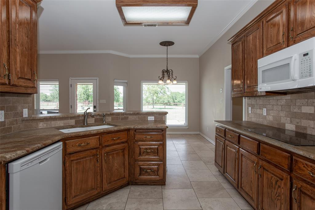 2239 Finis Road, Graham, Texas 76450 - acquisto real estate best real estate company to work for