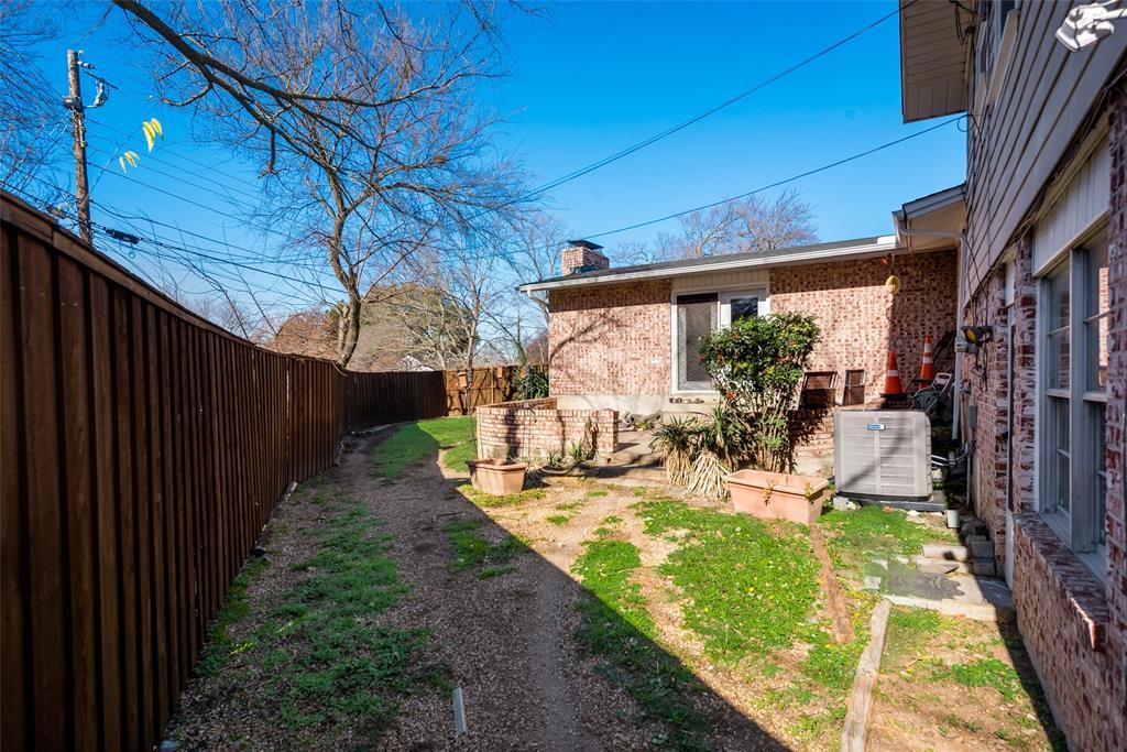 11615 Rogue Way, Dallas, Texas 75218 - acquisto real estate best realtor dfw jody daley liberty high school realtor