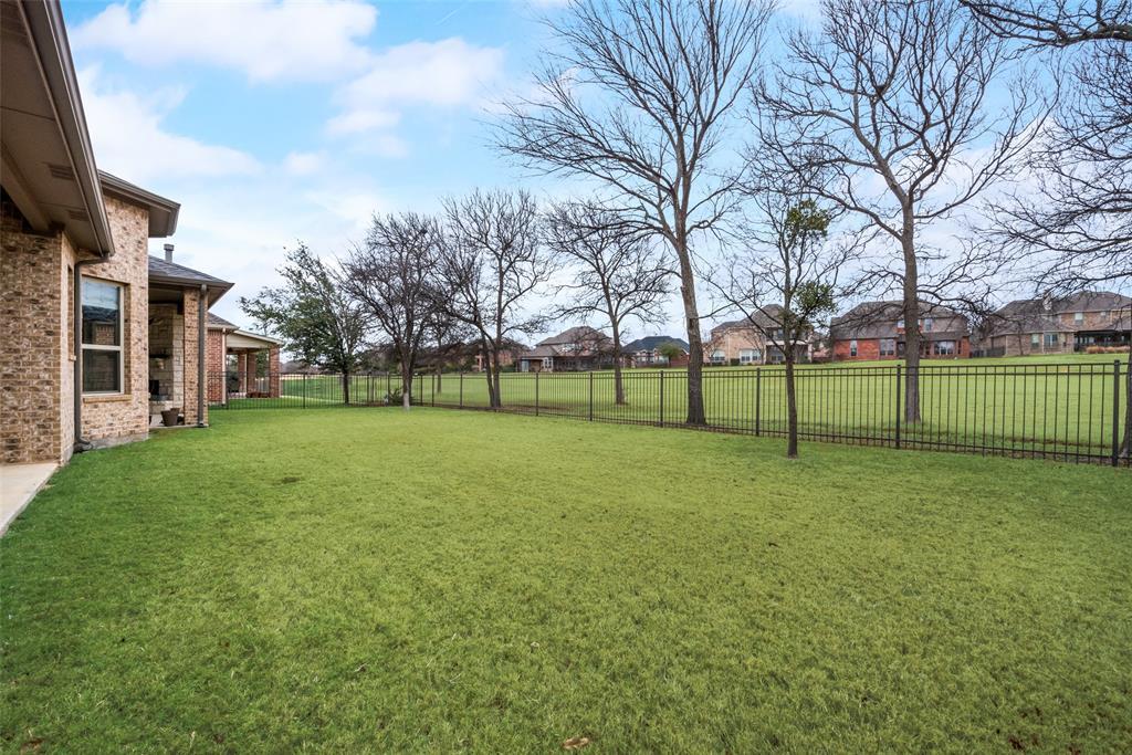 9451 Blanco Drive, Lantana, Texas 76226 - acquisto real estate best plano real estate agent mike shepherd