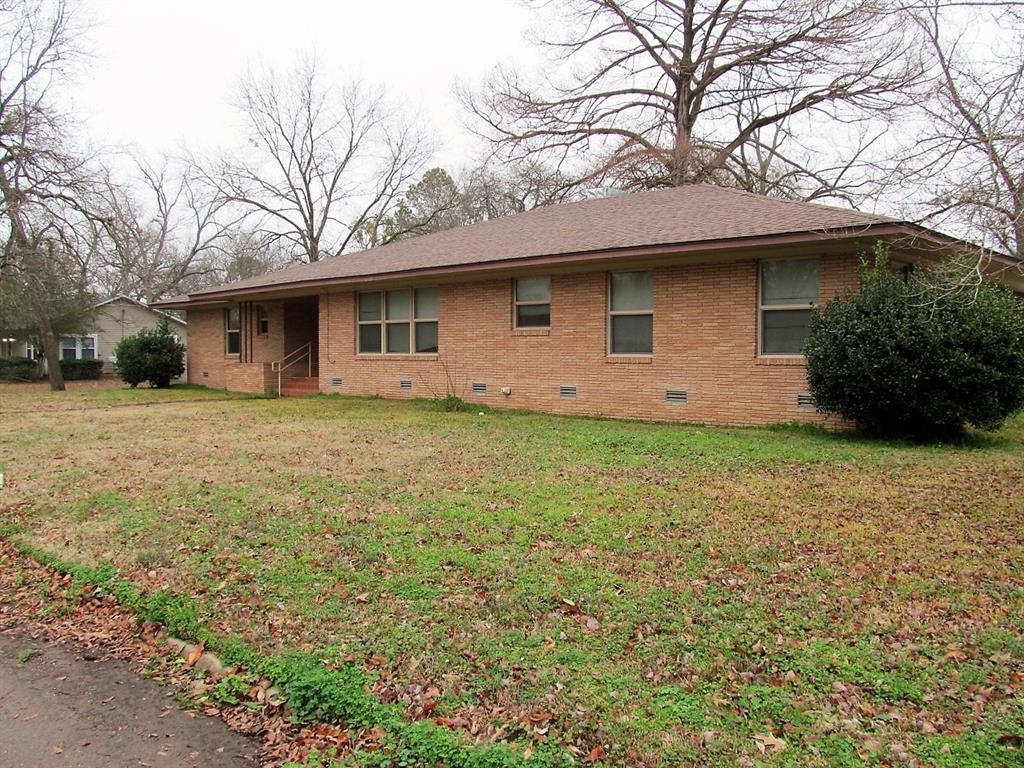 303 Chestnut Street, Winnsboro, Texas 75494 - Acquisto Real Estate best frisco realtor Amy Gasperini 1031 exchange expert